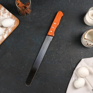 Нож для бисквита крупные зубцы, ручка дерево, рабочая поверхность 25 см